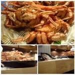 37180612 - カウンターには美味しいそうな「蟹」が・・これはいただかないと。