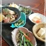 37182812 - 野菜のお総菜いっぱい♪日替わりランチ