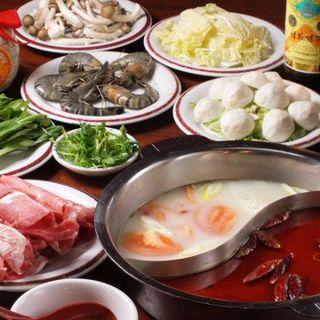 中国火鍋も人気!