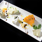 PURE+ - チーズ盛り合わせ 3種1000円 5種1500円