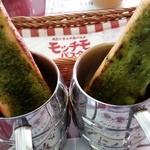 モッチモ・パスタ - バジルバゲット、抹茶バゲット