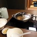 37193626 - 塩ちゃんこの一人鍋です。