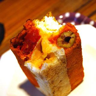 ブロートランド - 料理写真:タイルパン断面