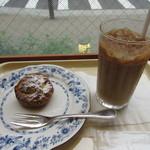 ドトールコーヒーショップ - シューシャポー、アイスカフェラテ