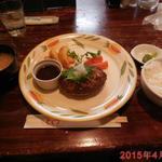 とくら - 和風おろハンバーグ\800+和風セット(ライス、味噌汁、漬け物)\200