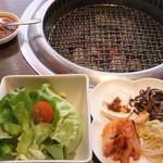 37199064 - 2015/2/13 サラダ、前菜、肉味噌ラー油