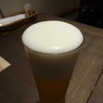 サイアミーズ フィン - 生ビールのきめ細かい泡