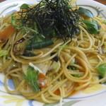 健康食工房 たかの - 野菜のパスタは新鮮野菜がいっぱい入っています。