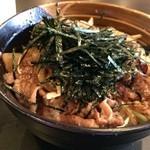 がんばり屋 - 牛バラの焼肉がたっぷり乗って、ご飯も大盛りです(2015.4.22)