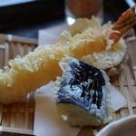 米貞 - 味噌煮込みうどんの天ぷら【2015.4月再訪】