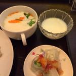 37222123 - 生春巻き、ココナッツチキンスープ、タピオカココナッツミルク