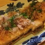 北陸料理しんえつ - 栃尾のジャンボ油揚げネギ味噌焼き
