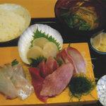 花いち - 料理写真:本日のお刺身定食 \1,350