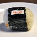 モモヤ - おにぎり(豚七味)¥95