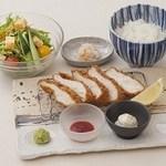 ■昼膳「地鶏カツ膳」