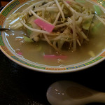 普賢寿司 - 業務用スープなのは仕方ないけど寿司屋だからもう少し海鮮入ってたらね(^_^;)