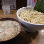 江戸前煮干中華そば きみはん - 特製梅香る煮干つけめん(1,090円)
