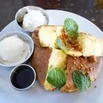 カフェギャラリーコンバーション - りんごとクリームチーズのほっとけーき¥1480