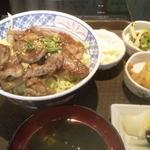 37250818 - ステーキ丼(950円税込)