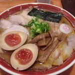 きく屋 - 大ロースチャーシューメン大盛り+煮玉子