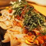 37252215 - ●サムギョプサル                        薄いお肉に、お野菜いっぱいいれてくるんで食べました☆