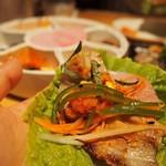 37252225 - ●サムギョプサル                        薄いお肉に、お野菜いっぱいいれてくるんで食べました☆