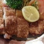 にっぽんの洋食 江戸一 - 2013/12/09 12:25訪問 鶏の味がメチャ濃くてジューシー♪