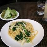 37256625 - 日替りランチ イカと菜の花のペペロンチーノ