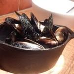 シュリンプ ガーデン - ムール貝の白ワイン蒸し