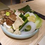 京都 瓢斗 - 今日野菜、今日湯葉、生麩、葛切り、京豆腐等の盛り合わせ