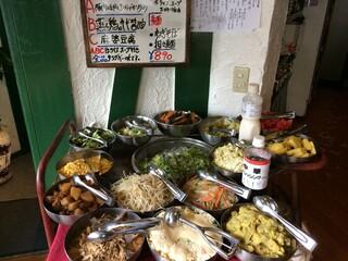 シャンウェイ - 890円 スープ・ご飯おかわり自由 安すぎです。