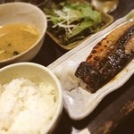 笹塚のひもの屋 - サバの塩焼き定食☺︎
