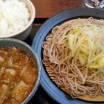 あじ屋 - 2013/04/08 11:40訪問 肉汁そば\800とライス\100