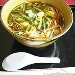 レストラン トラウト - 山菜そば