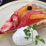 cafe soto - ★★★☆ フルーツのタルト
