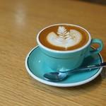 モジョ コーヒー - フラットホワイト