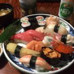 湊寿司 - 特上寿司1.5人前(醤油はサラッとタイプ)