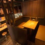 麺匠七福門 - 店内中二階(テーブルボックス席)