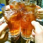 千成 - ウーロン茶で乾杯