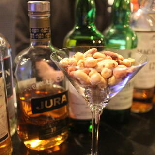 Barなのにリーズナブルにお酒をご提供