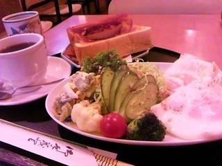 ドミニカ - 洋朝食:500円
