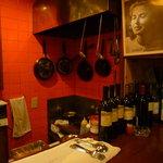 ビッグスリック - 内観写真:厨房見えます