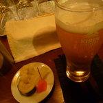 ビッグスリック - 料理写真:ピクルスで乾杯