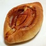 どんぐり - 正油パン(151円)