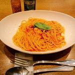プロント - モッツアレラチーズのトマトスパゲッティー