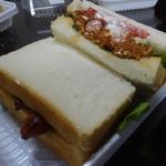 トレモロ - ☆ソーセージのサンドイッチ(#^.^#)☆