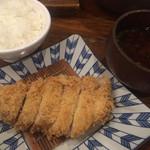 かつ吉 - 特上ロースかつ(180g)定食(白飯、赤出汁)
