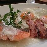 ブランチキッチン - サーモングリル+目玉焼き