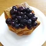 パン工房 Michel - 季節のフルーツバスケット ブルーベリー