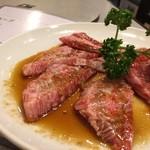 焼肉万福 - カルビ